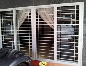 aluminium-grille-door1